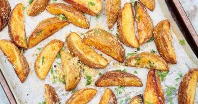 Pieczone ziemniaki z piekarnika – jak zrobić?